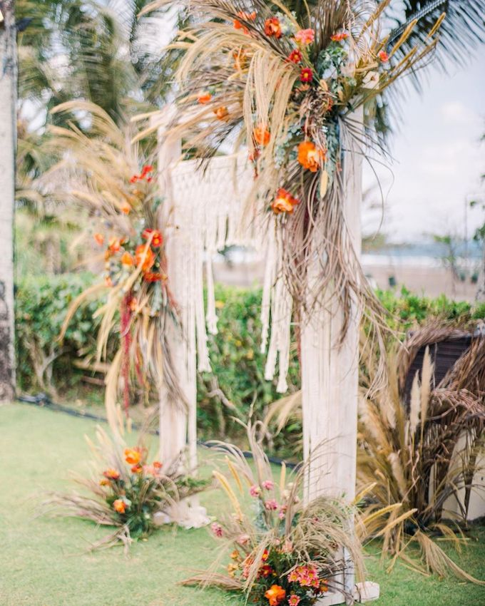 Sam & Lara Wedding at Canggu Bali by Catalina Flora - 023