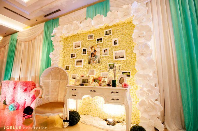 Minimalist vintage blue wedding by joelle decoration bridestory add to board minimalist vintage blue wedding by hotel ciputra jakarta 006 junglespirit Image collections