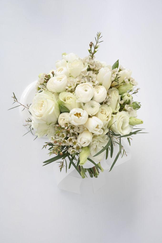 Wedding Bouquet by Hana Flower Boutique by Hana Flower Boutique - 008