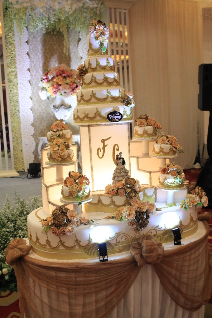 MC Wedding Red Top Hotel Jakarta - Anthony Stevven by Pelangi Cake - 002