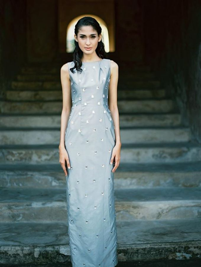Oblivion from FLESH TO DUST Spring Summer 2015 Ready To Wear by Bramanta Wijaya Sposa - 015