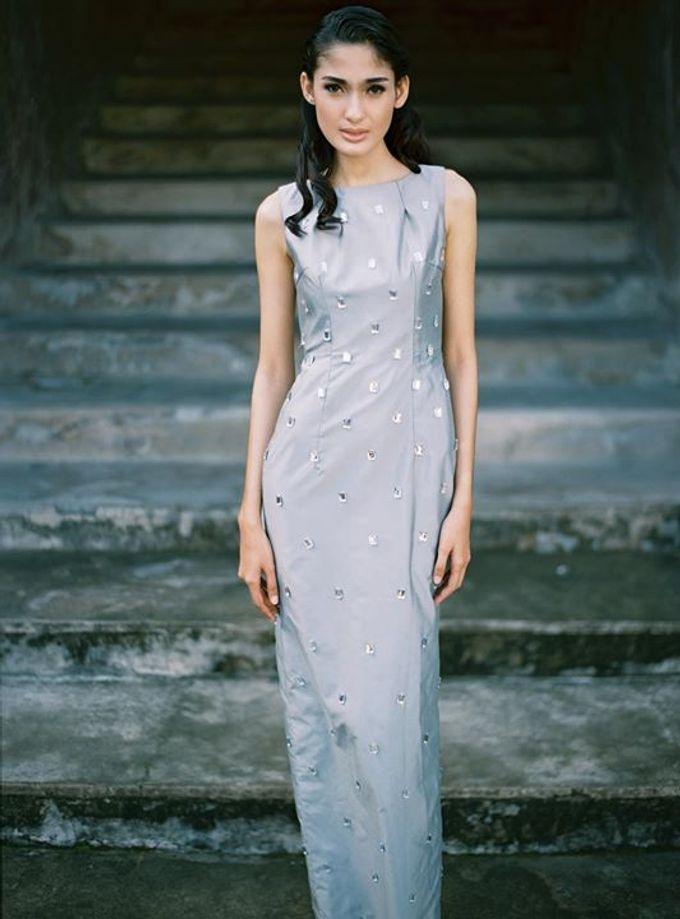 Oblivion from FLESH TO DUST Spring Summer 2015 Ready To Wear by Bramanta Wijaya Sposa - 016