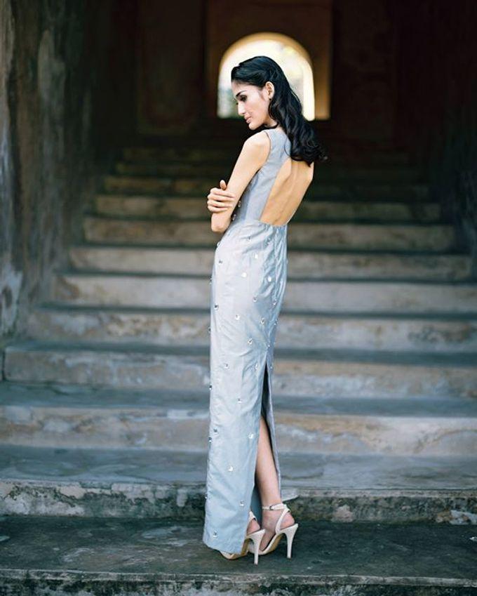 Oblivion from FLESH TO DUST Spring Summer 2015 Ready To Wear by Bramanta Wijaya Sposa - 017