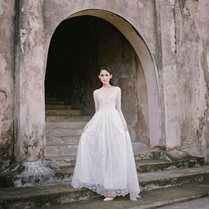 Oblivion from FLESH TO DUST Spring Summer 2015 Ready To Wear by Bramanta Wijaya Sposa - 039
