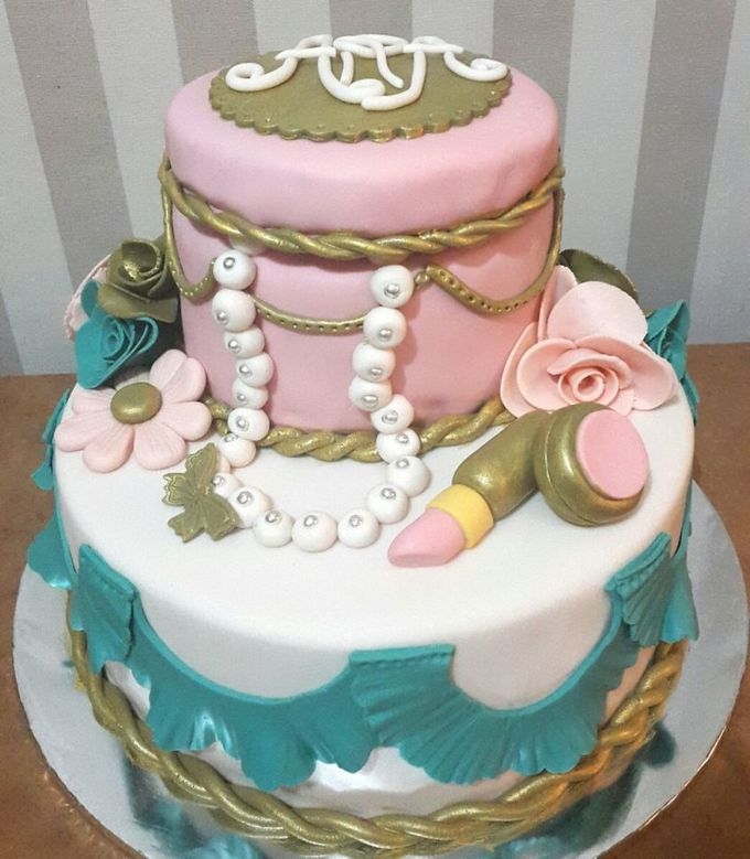 Wedding Cakes and Cupcakes by Rolling Pin Sugar Art - 002