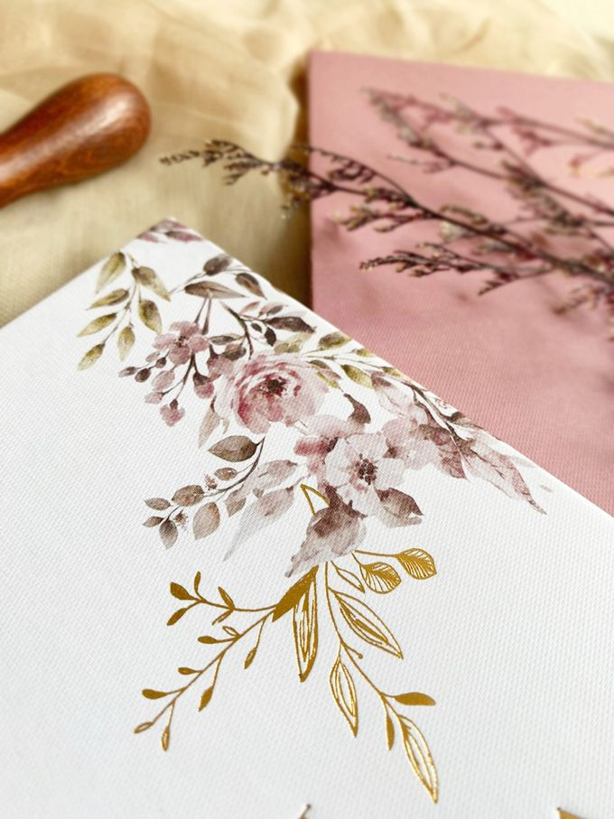 Modern Floral by Trouvaille Invitation - 002