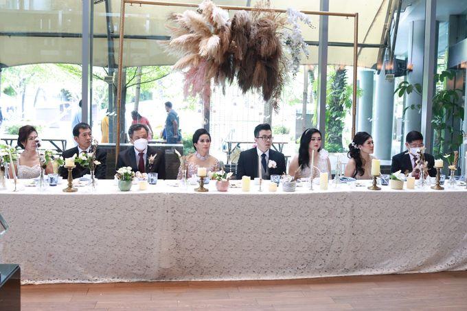Lounge Jazz wedding band at Double Tree Jakarta by Double V Entertainment by Double V Entertainment - 007