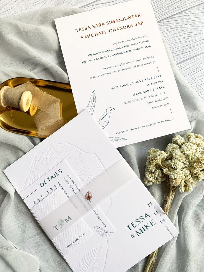 Modern Minimalist Tropical by Trouvaille Invitation - 002