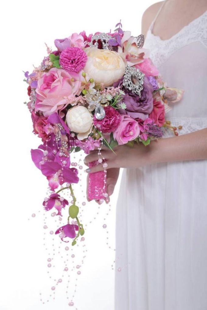 ENCHANTED WEDDING BOUQUET by LUX floral design - 025