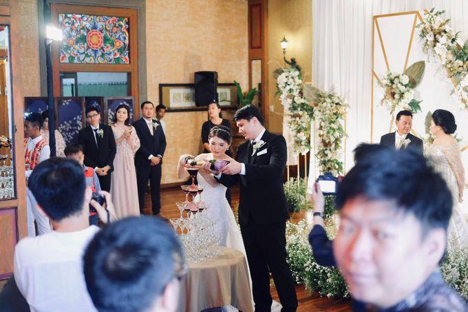 Rio & Lian Wedding by HENRY BRILLIANTO - 017