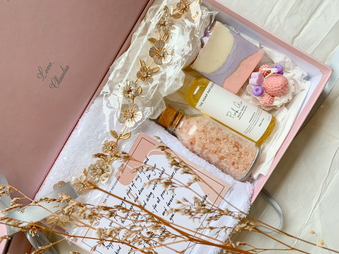 Bridesmaid and Groomsmen Gift Boxes for Christian & Claudia by The Soap Patisserie - 004