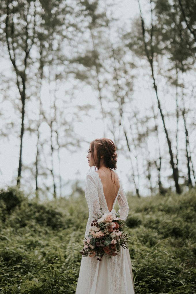 Ben & Samantha The Woods by Keira Floral - 002