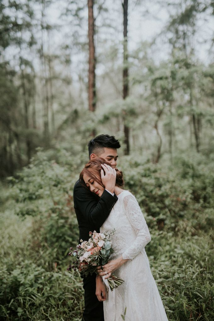Ben & Samantha The Woods by Keira Floral - 003