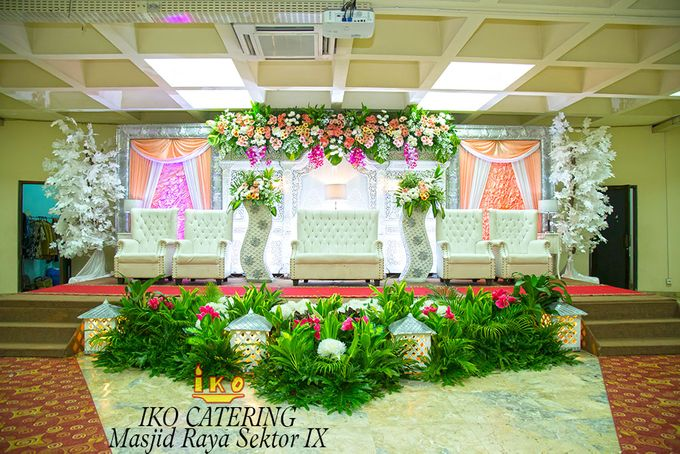 Dekorasi Pelaminan by IKO Catering Service dan Paket Pernikahan - 039