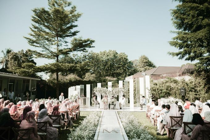 The Modern and Elegant Wedding Ceremony of Monica and Allen by Owlsome Projects - 002