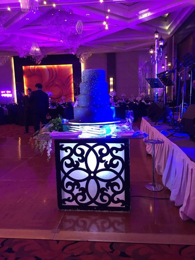 Paul and Robyn Wedding at Sofitel Manila Grand Ballroom by Orange Lights and Sounds Inc. - 007