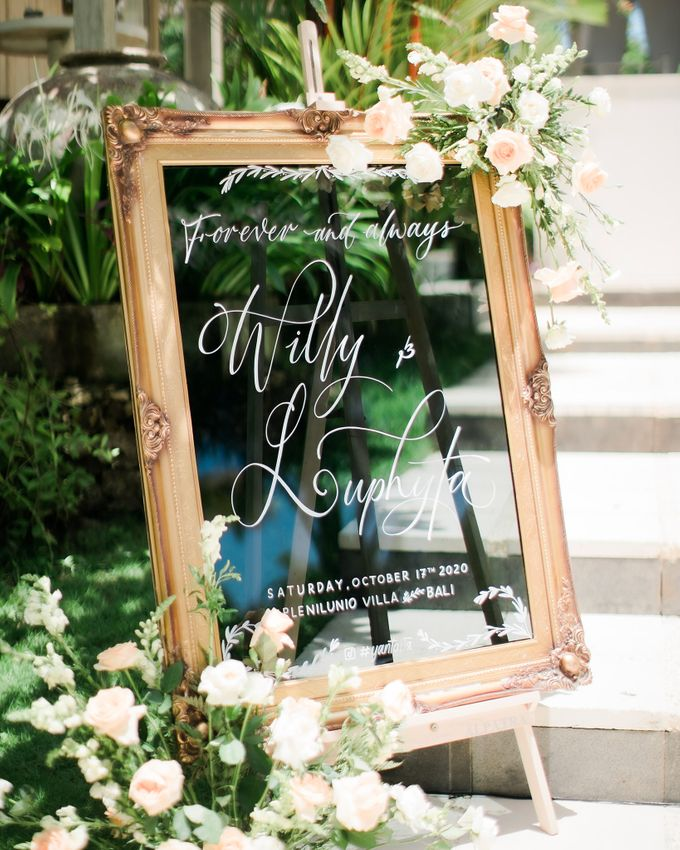 Elegant Vintage Coral Peach Palette for Willy and Luphyta Wedding at Plenilunio Villa Uluwatu by Bali Wedding Atelier - 002
