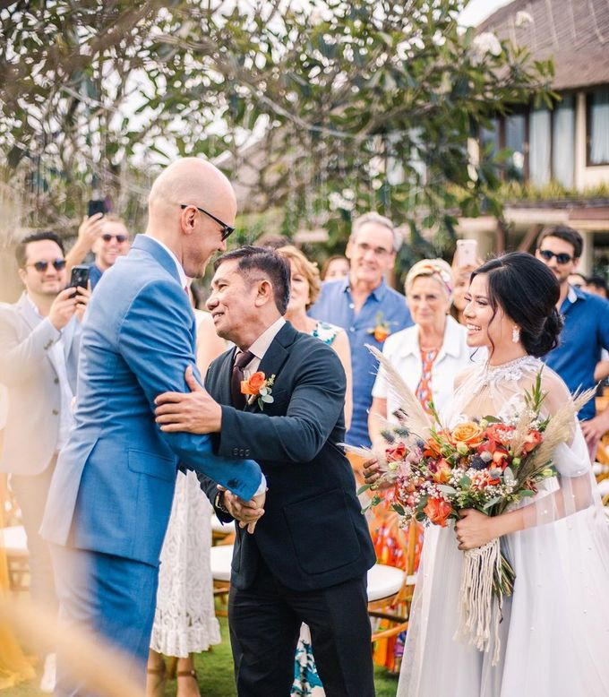 Sam & Lara Wedding at Canggu Bali by Catalina Flora - 021
