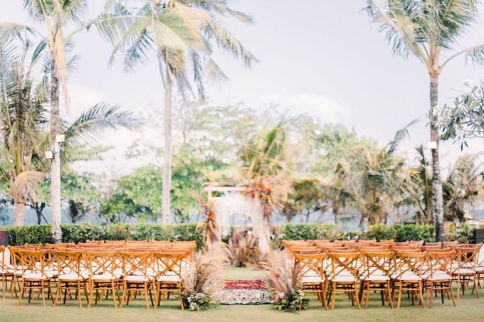Sam & Lara Wedding at Canggu Bali by Catalina Flora - 011