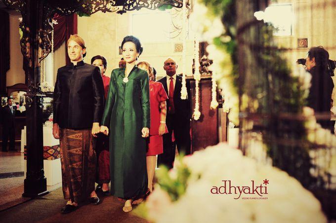 Adrian & Wina Wedding Day by Adhyakti Wedding Planner & Organizer - 004