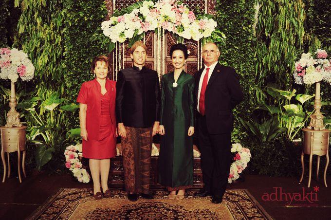 Adrian & Wina Wedding Day by Adhyakti Wedding Planner & Organizer - 005