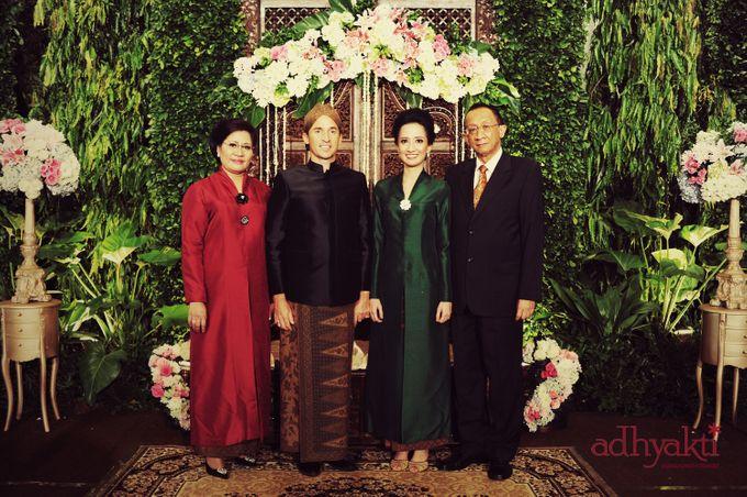 Adrian & Wina Wedding Day by Adhyakti Wedding Planner & Organizer - 006
