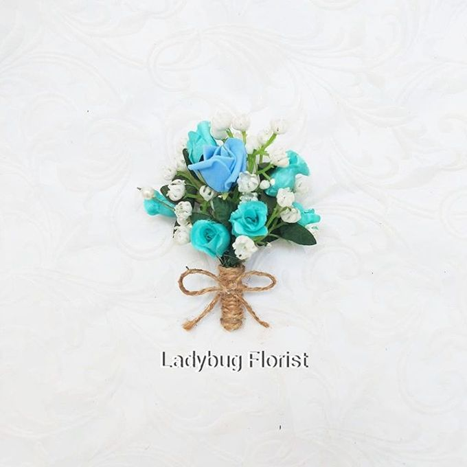Family Boutonnieres by ladybug florist - 002