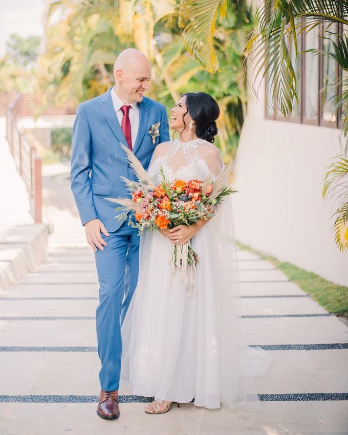 Sam & Lara Wedding at Canggu Bali by Catalina Flora - 005
