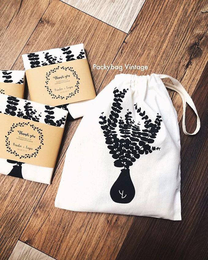 YESSIKA & LUGIS WEDDING // Pouch drawstring blacu  by Packy Bag Vintage - 001
