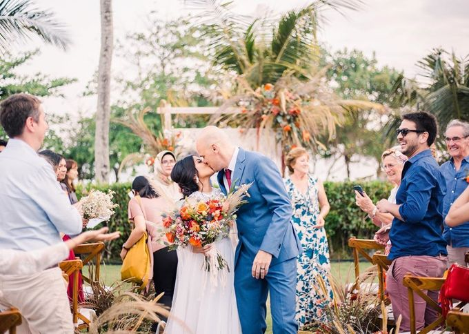 Sam & Lara Wedding at Canggu Bali by Catalina Flora - 004