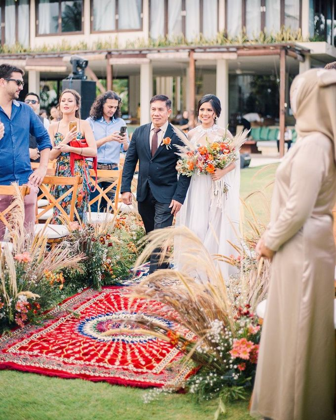 Sam & Lara Wedding at Canggu Bali by Catalina Flora - 013