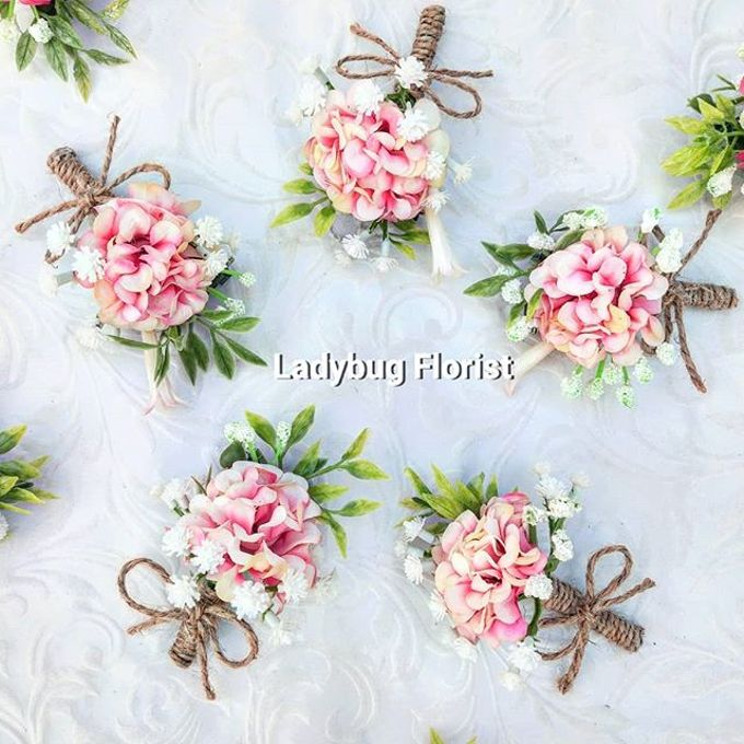 Family Boutonnieres by ladybug florist - 005