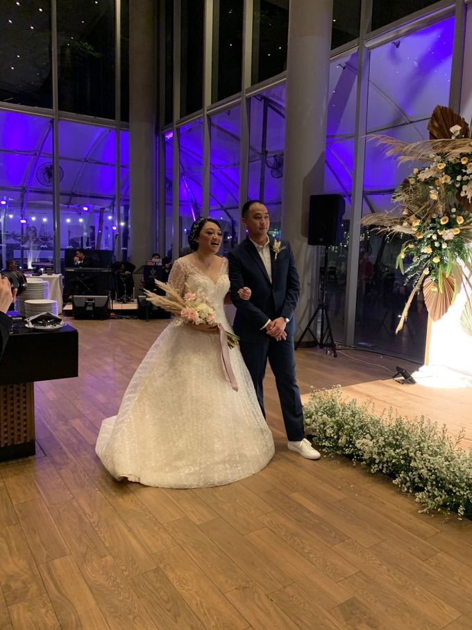 Jazz Wedding Entertainment - Double V  Entertainment with Anthony stevven MC  Intimate Open Restaurant Double Tree Jakarta by Anthony Stevven - 010