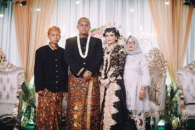 Widya + Angga - Javanese Fine-Art Wedding Session by Photolagi.id - 003