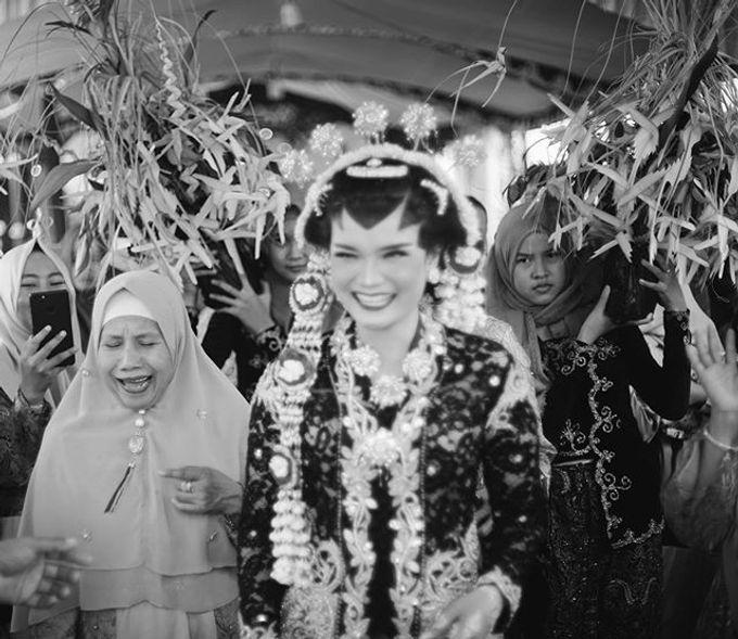 Widya + Angga - Javanese Fine-Art Wedding Session by Photolagi.id - 008