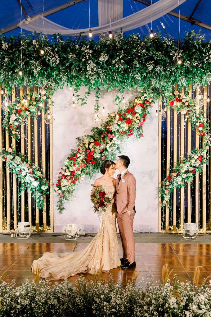 MICHAEL & ALVINA by Royal Tulip Gunung Geulis Resort & Golf - 022