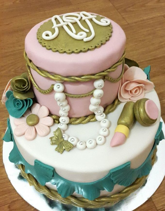 Wedding Cakes and Cupcakes by Rolling Pin Sugar Art - 004
