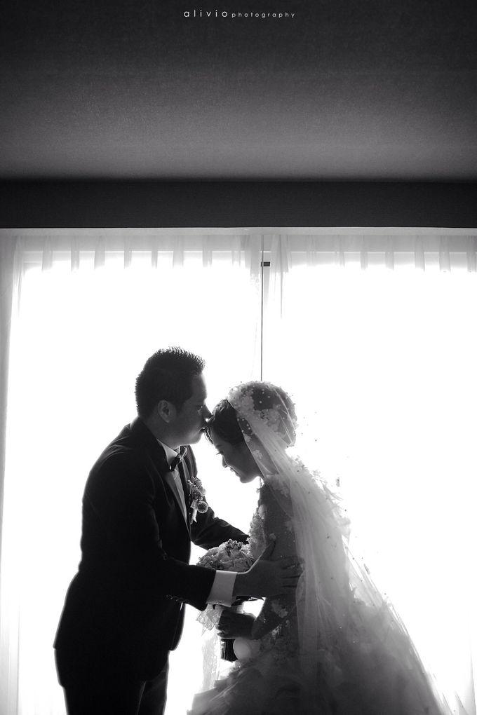 Hendra + natalie   wedding by alivio photography - 012