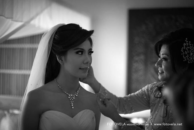 TOFID & STEFFI WEDDING DAY  I  AYANA RESORT BALI by fotovela wedding portraiture - 017