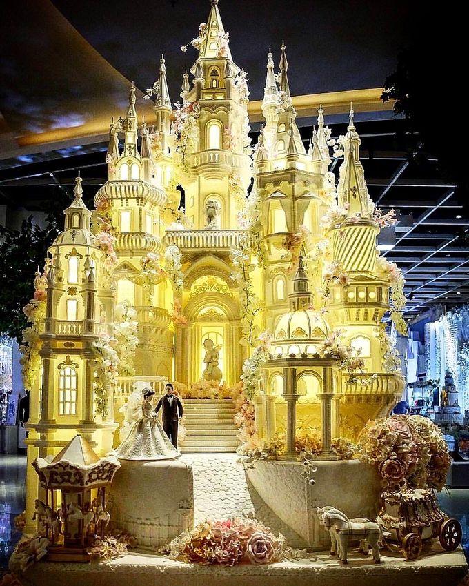 Masterpiece and Signature Wedding Cakes by LeNovelle Cake - 023