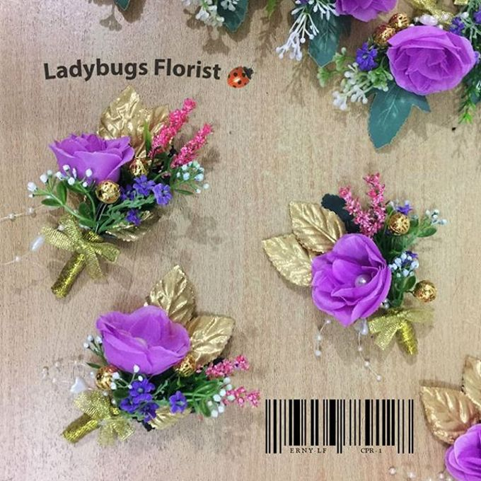 Family Boutonnieres by ladybug florist - 001