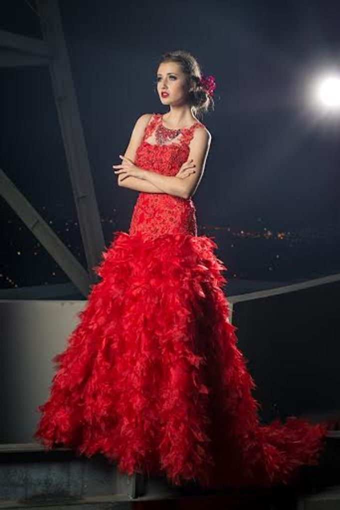 1 metre Red Lace Organza Gown by MyWeddingBudgeting Prewed Gowns ...