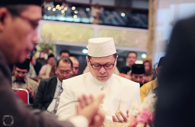 The Wedding of Sally + Rizky by The Move Up Portraiture - 023