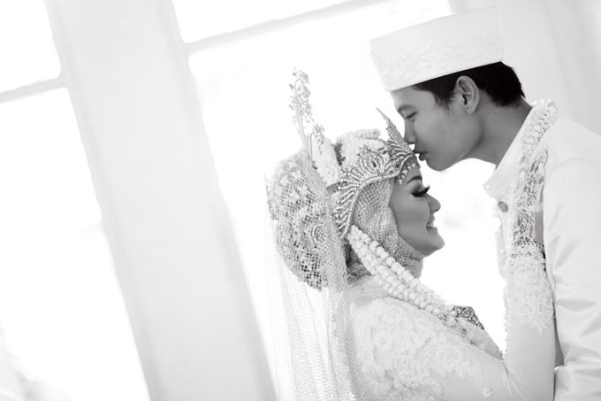 Anggi & Barry Wedding by Lili Aini Photography - 004