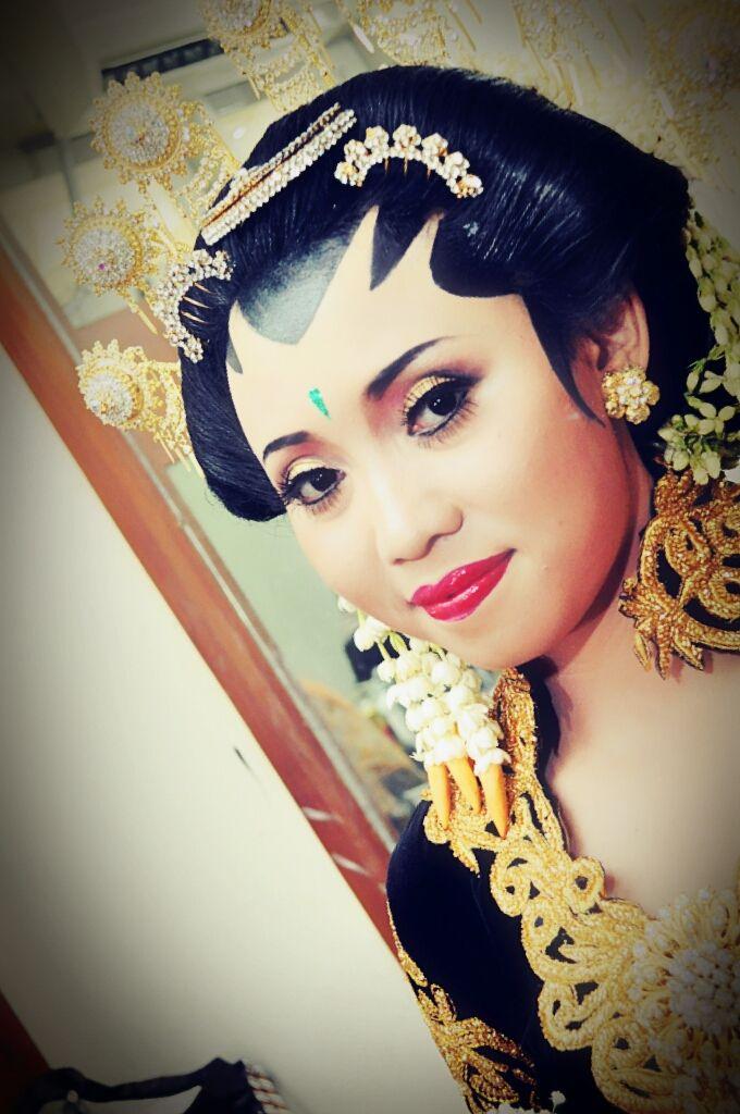 Make Up Pengantin Solo Putri & Basahan by Arum Ndalu Sanggar Rias Pengantin - 002