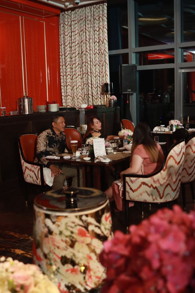 Fine Dinning Intimate entertainment wedding at Alto Restaurant Four Seasons Jakarta - Double V Entertainment by Hian Tjen - 006
