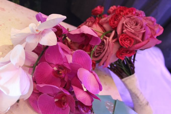HAND BOUQUET & KORSASE by Home Smile Florist - 002