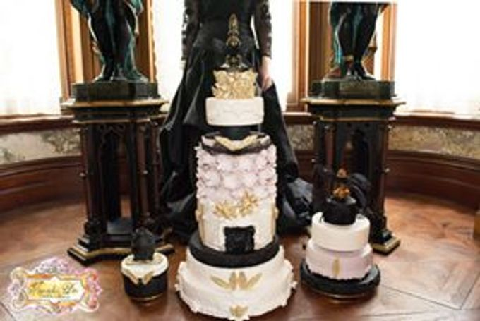Wedding Cakes by Innicka Dee Cakes - 015
