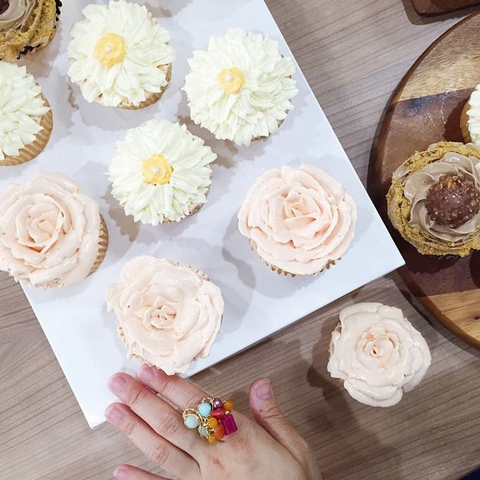 dessert table treats by The Rosette Co - 003