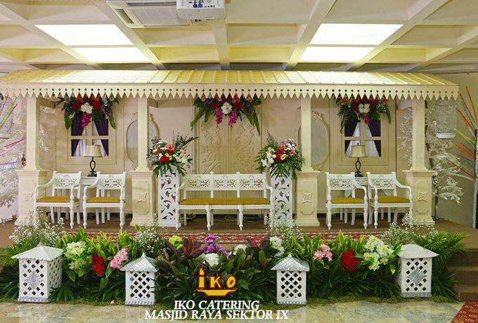 Dekorasi Pelaminan by IKO Catering Service dan Paket Pernikahan - 042